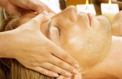 تکنیک های ماساژ برای حفظ جوانی و شادابی پوست